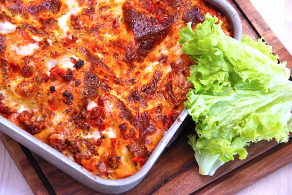 Lasagne med spidskål og hakket oksekød