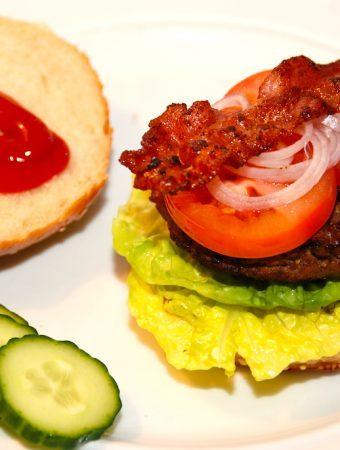 Verdens bedste burger (hjemmelavet)