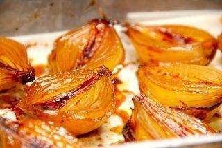 Bagte løg – karamelliserede løg i ovn