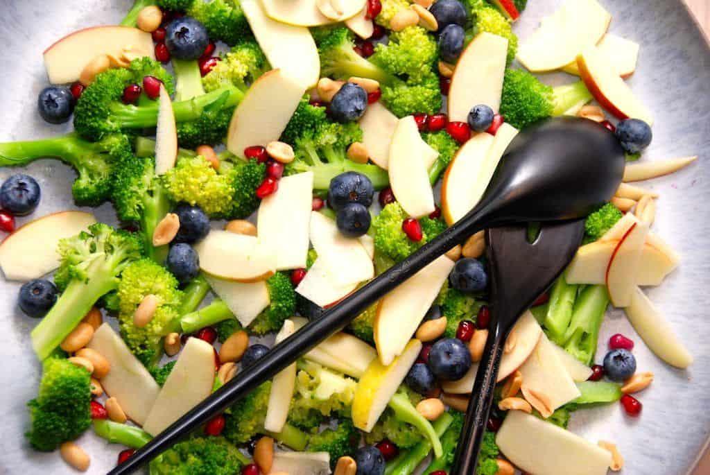 Broccolisalat - nem og lækker salat med broccoli