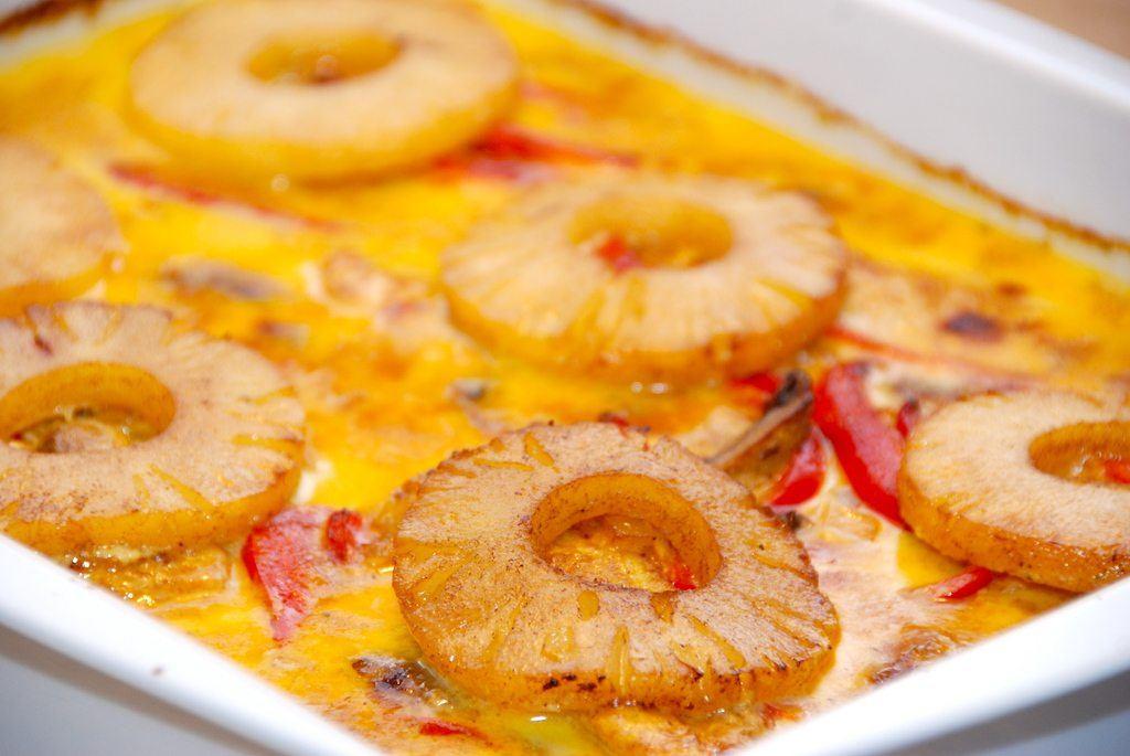 Karry kylling i fad med ananas opskrift