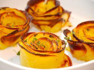 Se lige disse smukke kartoffelroser, som pryder enhver tallerken. Kartoffelroserne laves af tynde skiver kartofler, der samles i en muffinform. Derefter pensles de med smør. Foto: Guffeliguf.dk.