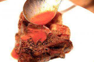 Rødvinssauce med kalvefond og tomat