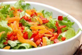 Sprød salat med tørrede abrikoser