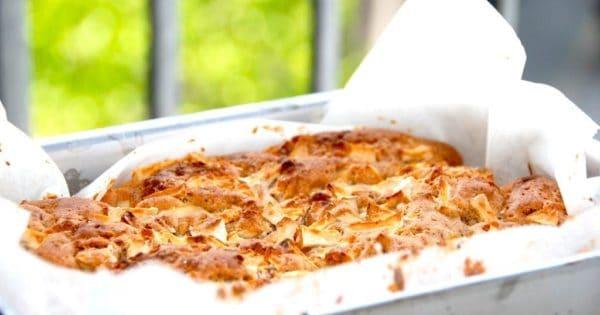 Billede med æblekage med marcipan