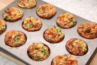 Æggemuffins med spinat, peberfrugt og bacon