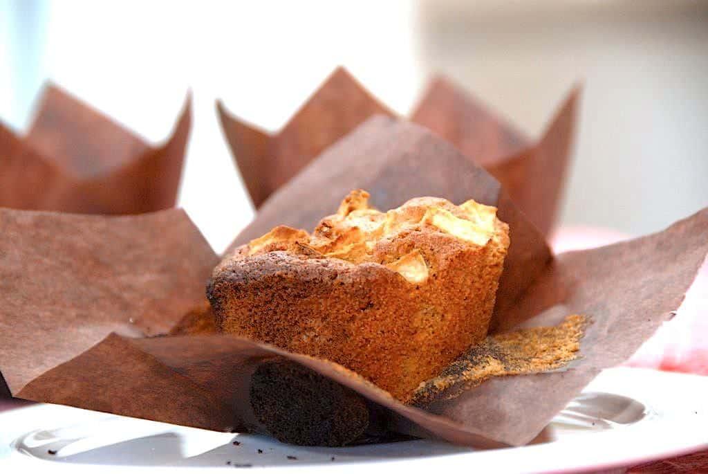 Opskrift på nemme muffins med æble og marcipan