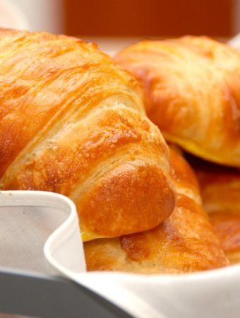 Croissant opskrift – sådan laver du croissanter