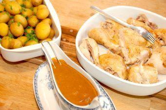 Gammeldags grydestegt kylling med persille og sovs