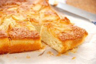Hjemmelavet æblekage – kage med æbler
