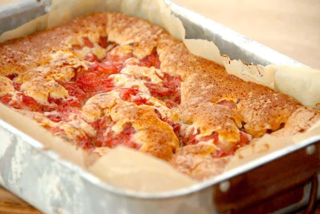 Kage med rabarber – bedste rabarberkage opskrift