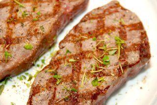 Grillet bøf med hasselback kartofler