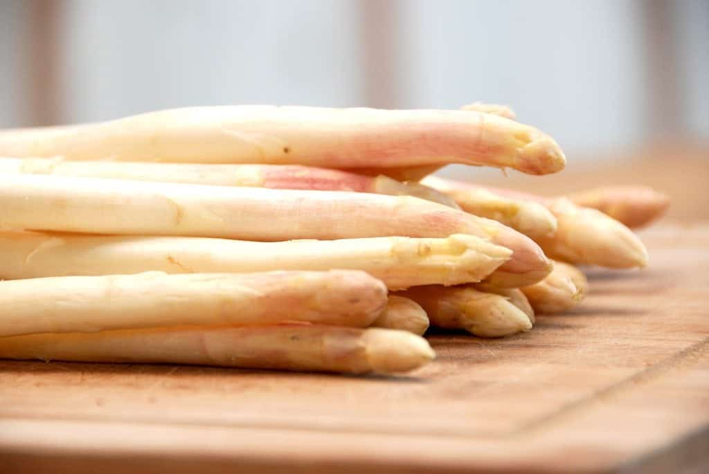 Hvide asparges - kogetid og behandling