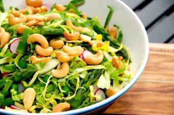 4 lækre salater med spidskål – sunde og nemme
