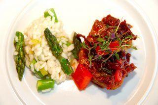 Pulled pork i gryde med asparges risotto