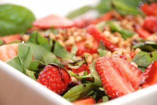 Jordbærsalat – salat med jordbær opskrift