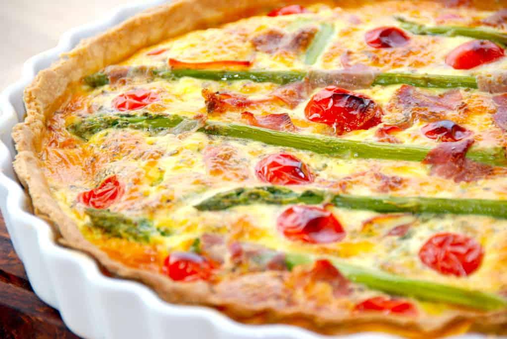 Hjemmelavet tærte med asparges (nem aspargestærte)