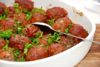 Italienske kødboller i ovn med tomatsovs opskrift