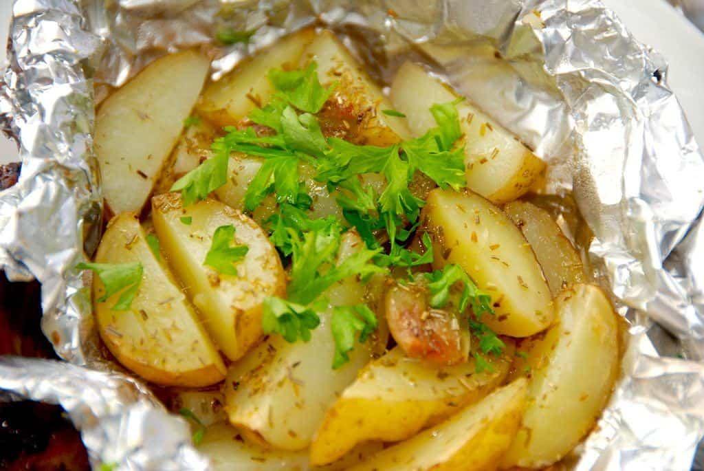 Kartoffelpakker med hvidløg og rosmarin