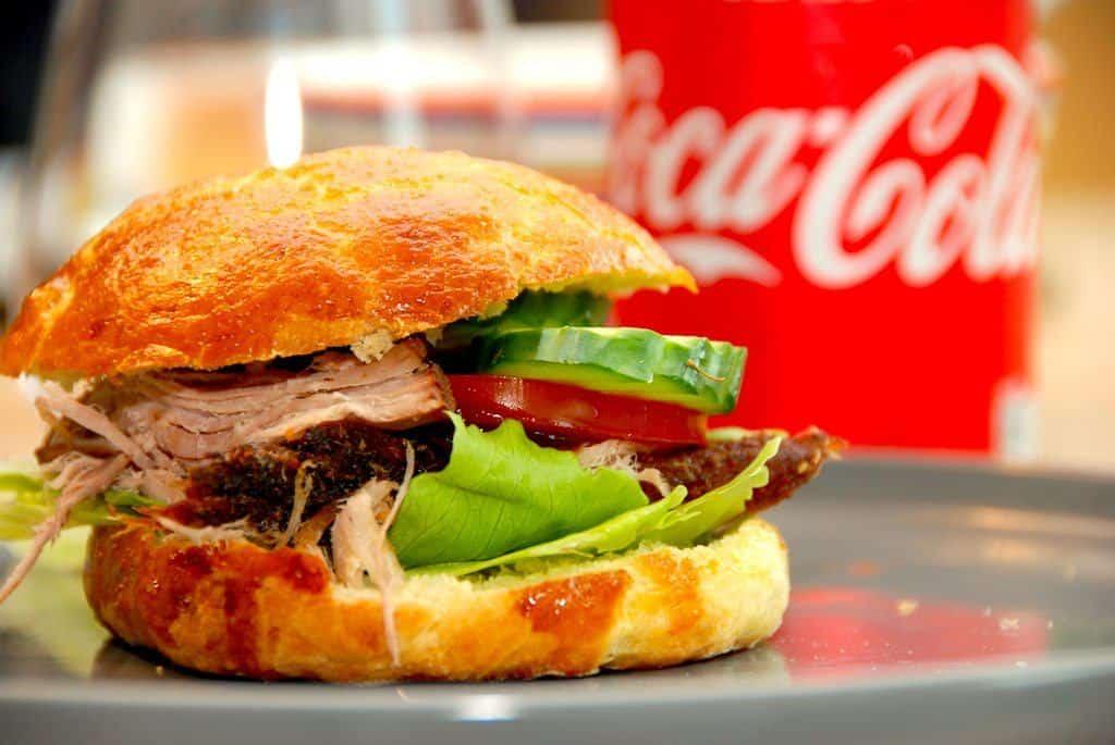 Pulled Pork Opskrift Gasgrill : Hjemmelavet pulled pork burger med sprøde boller madens verden
