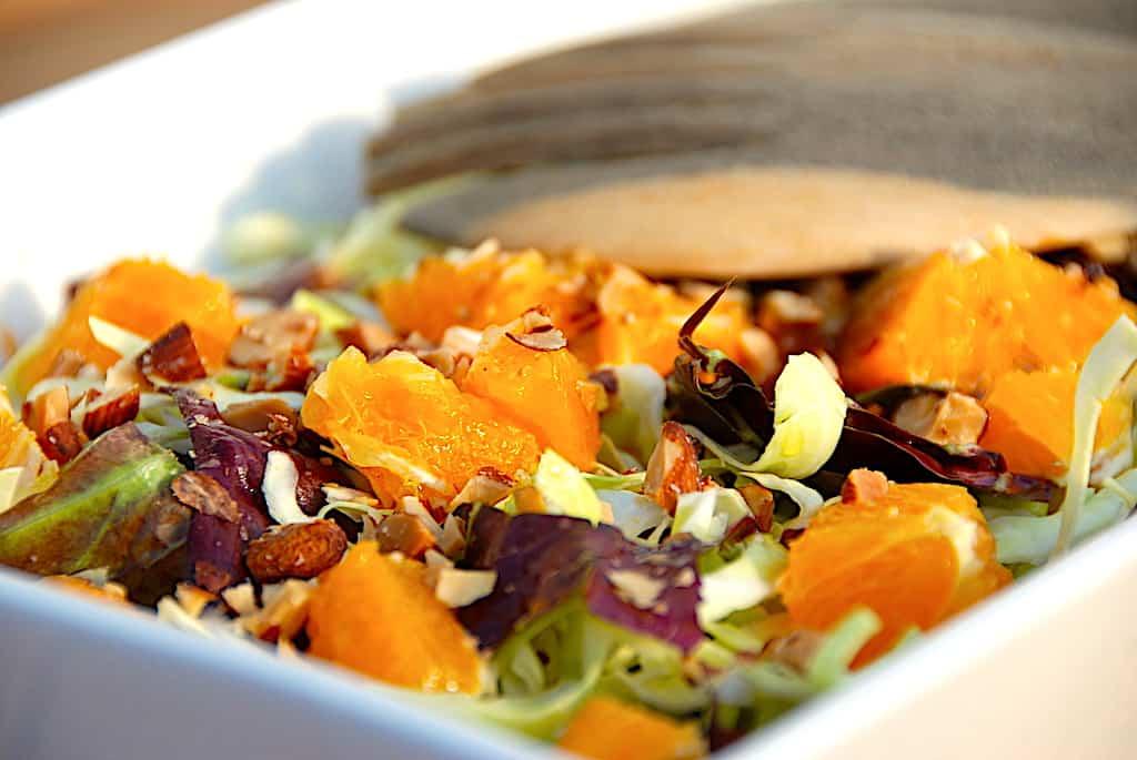 Sommersalat med spidskål og appelsin
