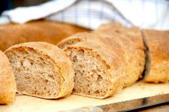 Sådan laver du verdens bedste brød med fordej, hvor fordejen laves i god tid. Faktisk gerne et par dage i forvejen. Foto: Madensverden.dk.