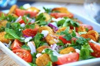 billede med lun kartoffelsalat