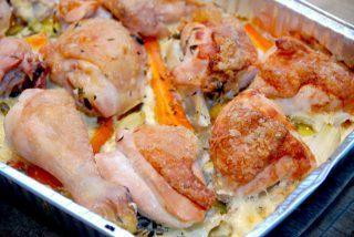 Kylling med grøntsager i fad (nem kylling)