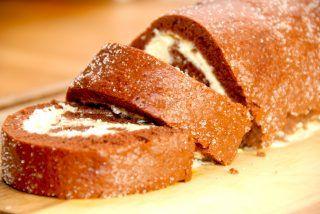 Kakaoroulade med flødeskum (nem opskrift)