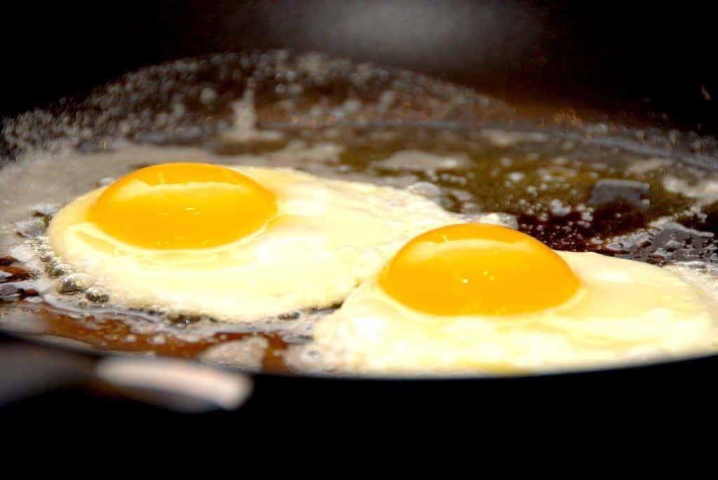 Spejlæg - sådan laver du perfekte æg på panden