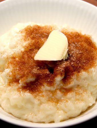 En særdeles lækker og cremet risengrød, der laves med sødmælk og ristottoris. Og det er faktisk bedre end grødris. Foto: Madensverden.dk.