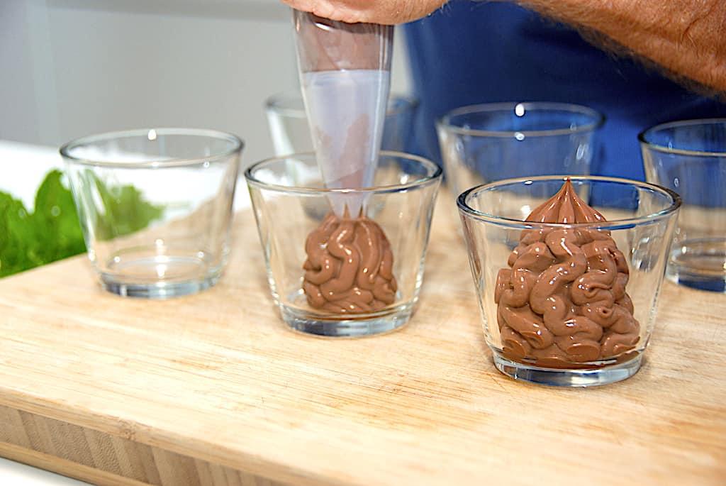 Chokolademousse - nem og lækker mousse med chokolade