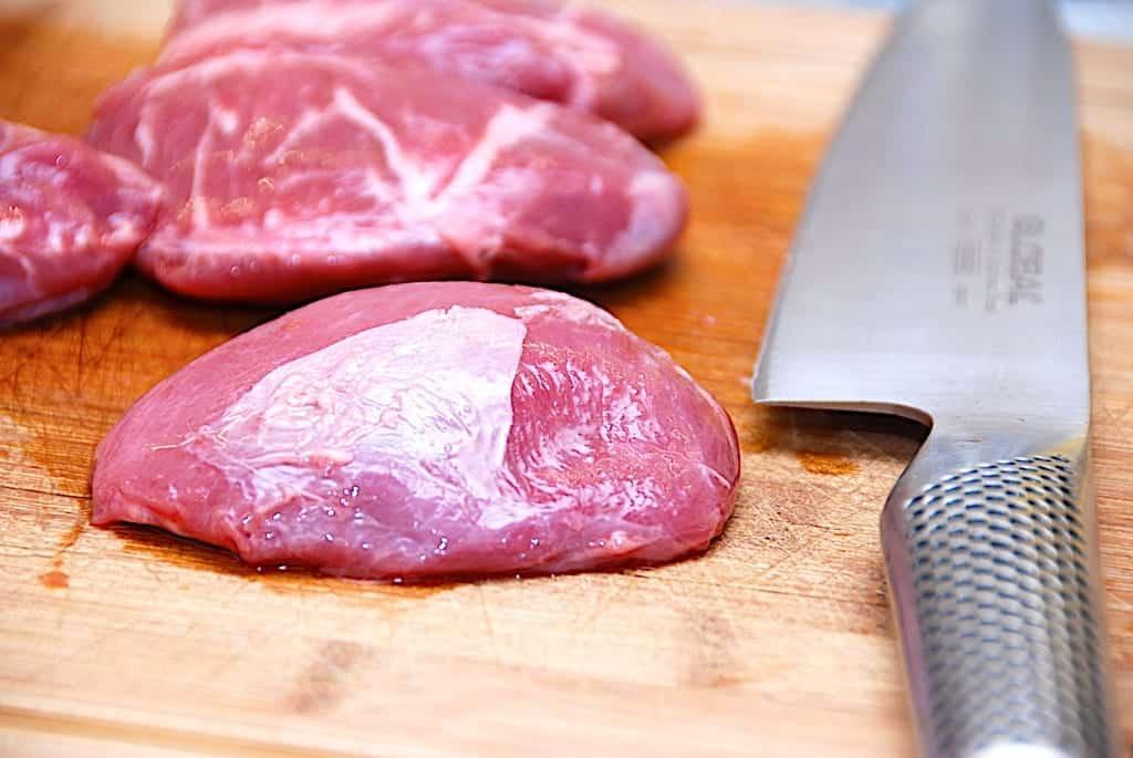 Langtidsstegte svinekæber i ovn – møre svinekæber i stegeso