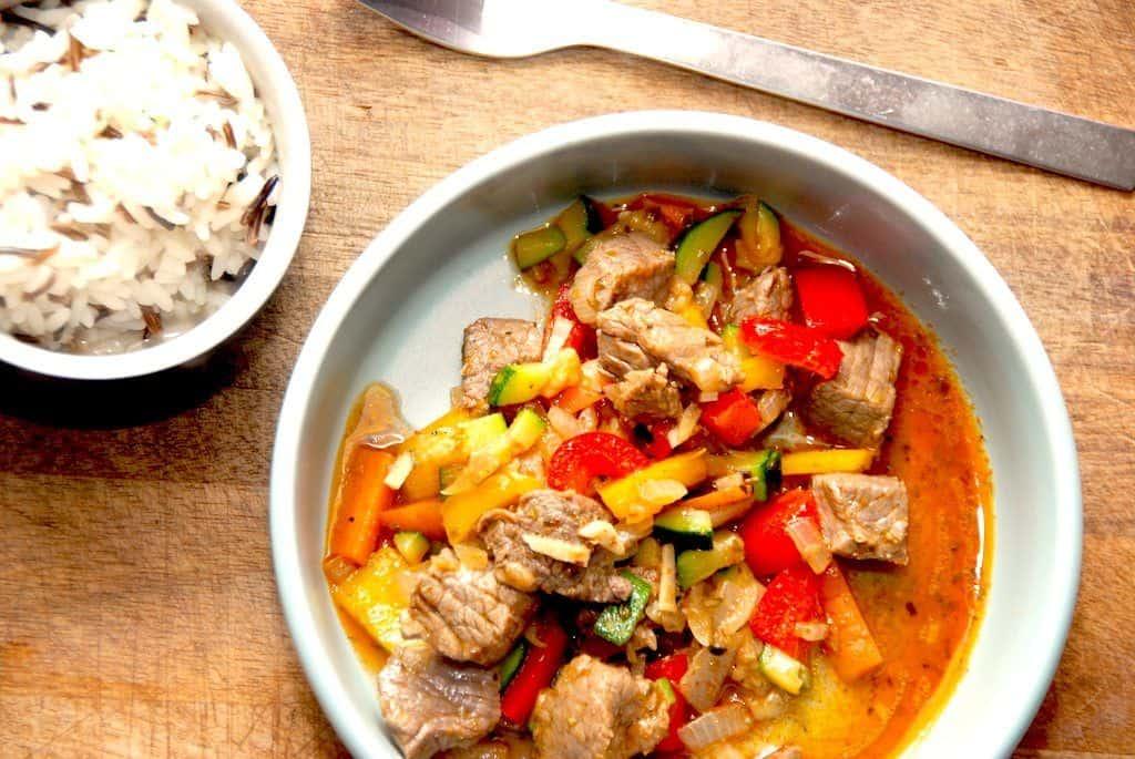 Græsk gyros med oksekød og tzatziki