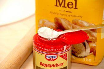 Bagepulver anvendes selvfølgelig først og fremmest til bagværk. Som navnet jo også antyder. Men du kan faktisk bruge bagepulver til mange andre ting, herunder til at fjerne lugt. Foto: Madensverden.dk.