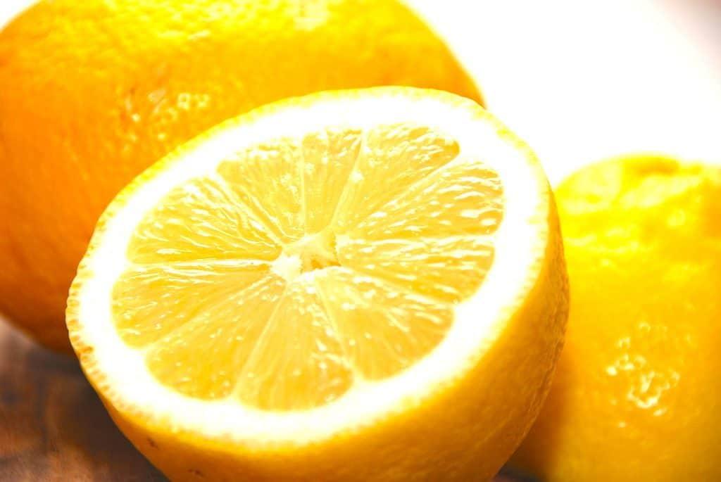 citron fakta om den lille og sure citrusfrugt madens verden. Black Bedroom Furniture Sets. Home Design Ideas