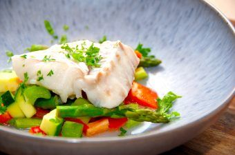 Dampet torsk i ovn med grøntsager