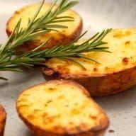 billederesultat for halve bagte kartofler