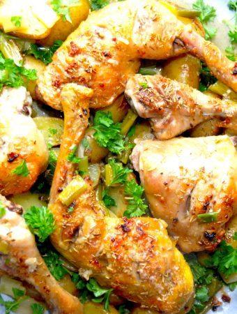 Kyllingelår med hvidløg og kartofler (i fad)