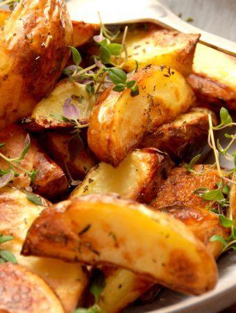 Kartoffelbåde i ovn – forkogt med eddike