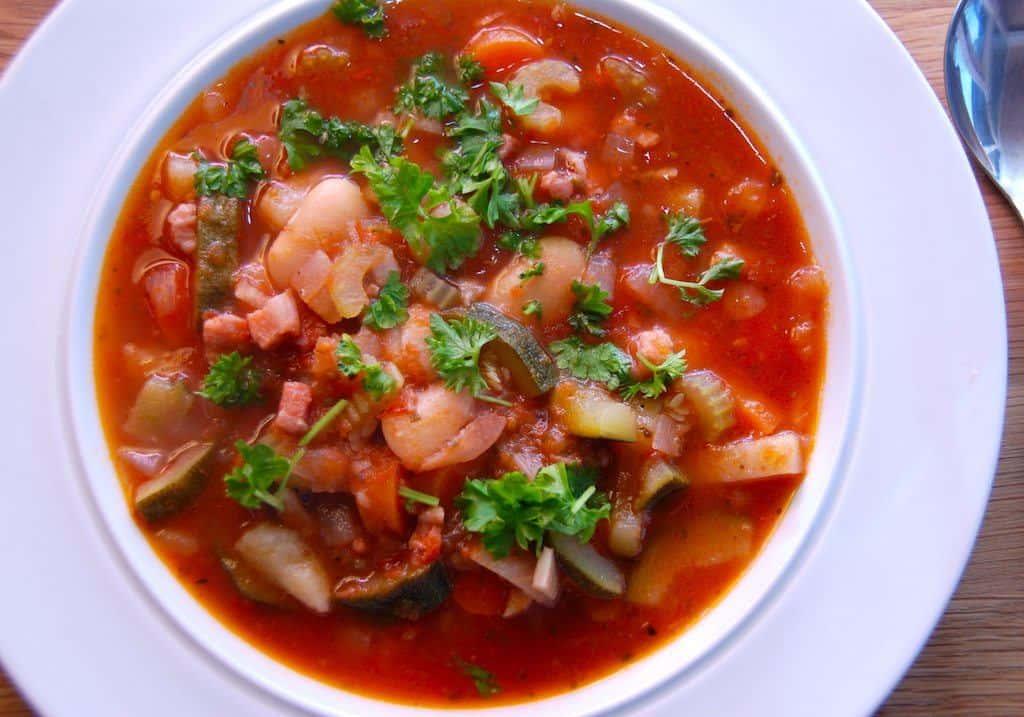 Minestrone – opskrift på italiensk grøntsagssuppe