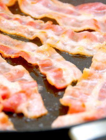 Kan man stege bacon i vand?