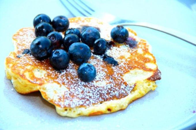 Billede resultat for amerikanske pandekager med blåbær