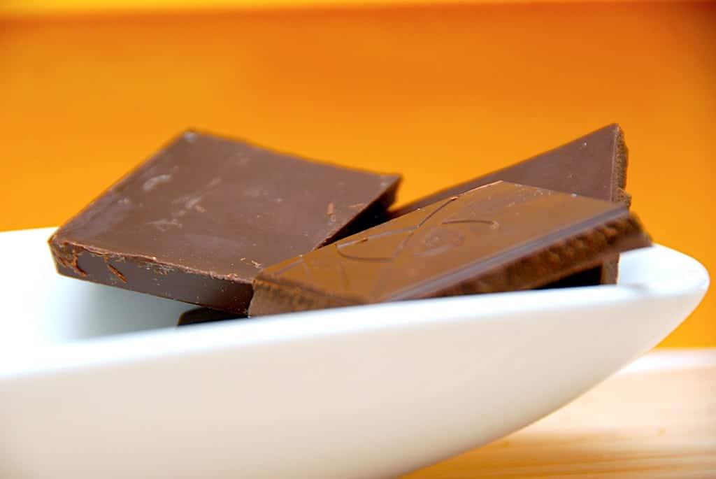 Mørk chokolade mætter mere end mælkechokolade