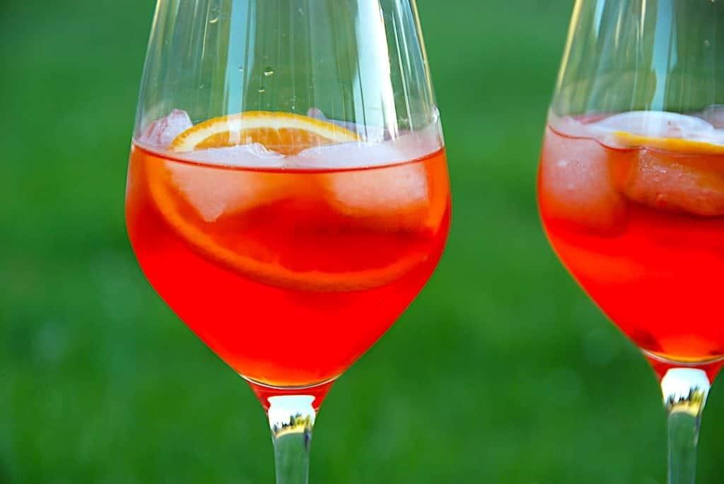 Billede med Aperol i glas