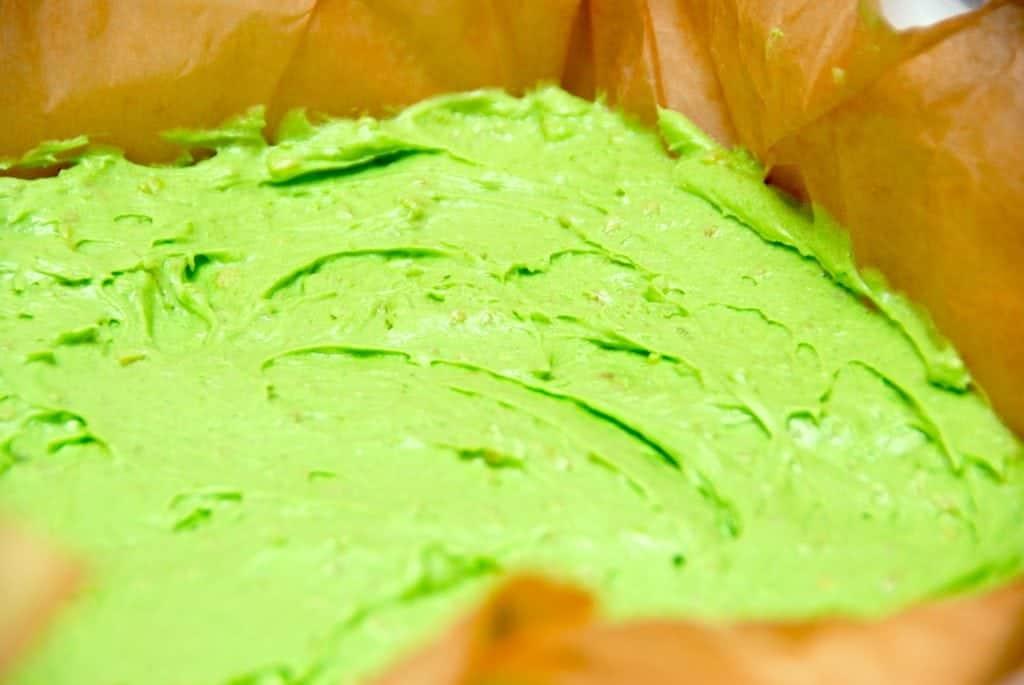 Billede med dej til grøn kage