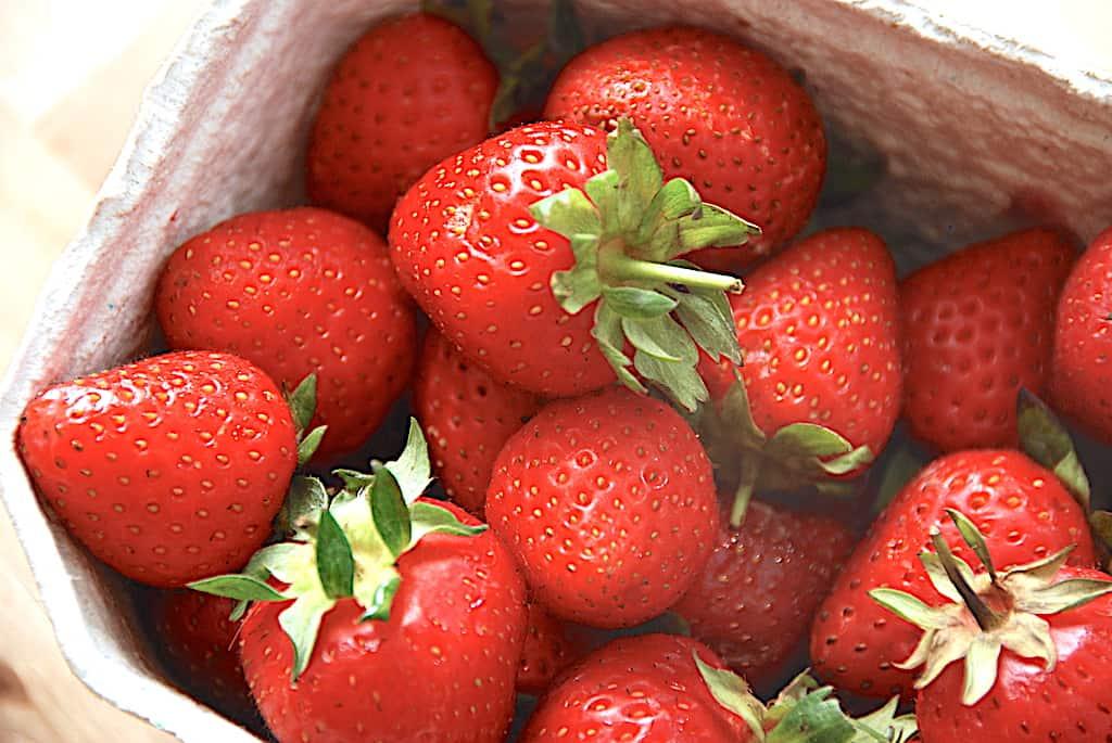 foto med opskrifter med jordbær