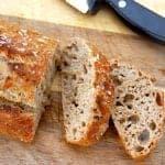Billede med nemt maltbrød med honning