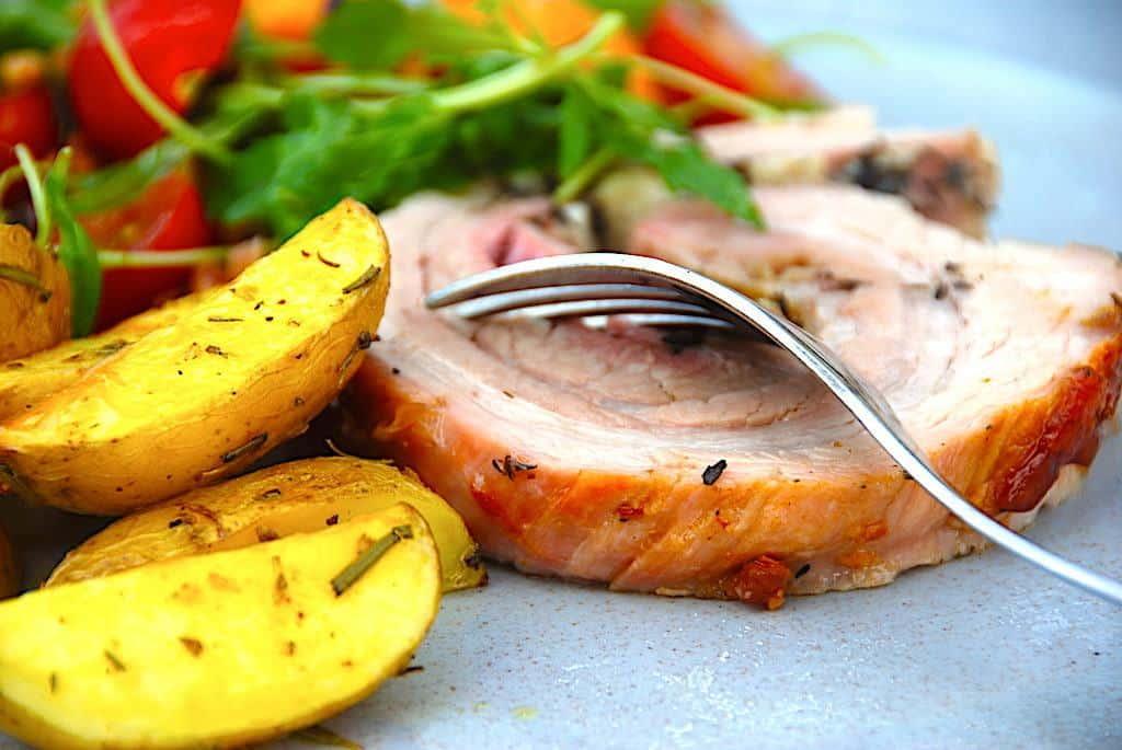 billede resultat for porchetta på tallerken med tilbehør