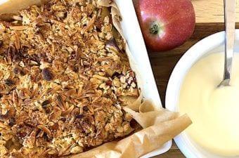 Æblecrumble – nem og hurtig opskrift med havregryn